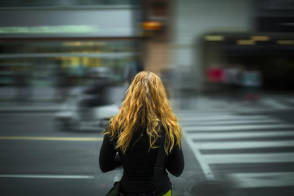 女孩, 年轻, 生活方式, 女子, 女性, 人, 时尚, 城市, 街, 交通, 城市街道, 风格, 成人